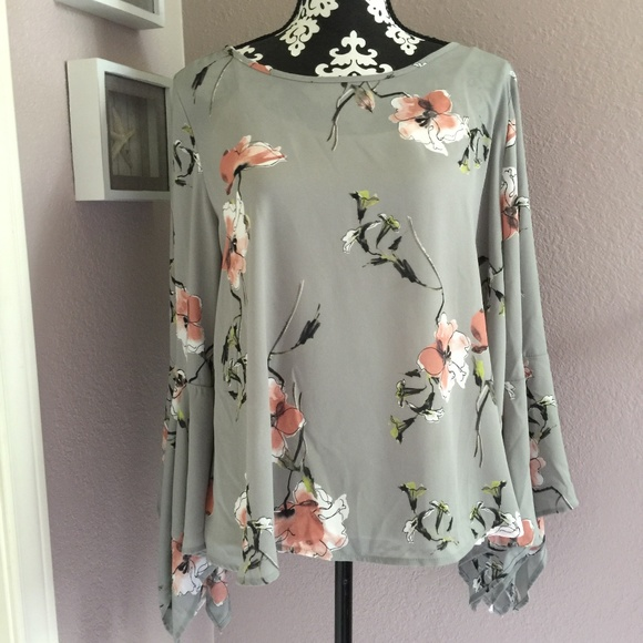 ac2a6257f982b4 Soprano Tops | Grey Floral Popover Blouse Big Bell Sleeve | Poshmark